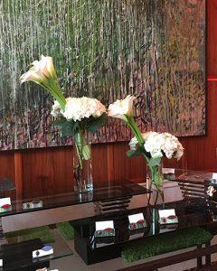 Esküvői büfédíszek fehér virágokból