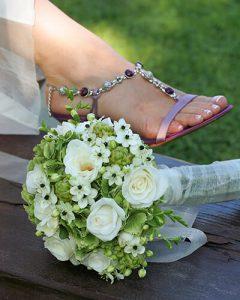 Zöld és fehér esküvői csokor