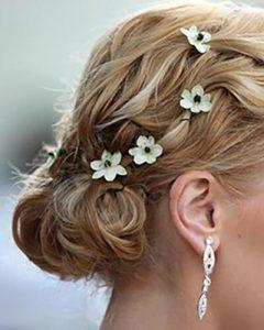 Menyasszonyi hajdísz ornitogallum fejekből