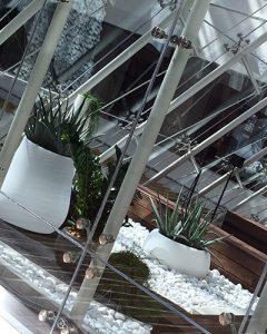 Növénydekoráció modern irodaházban