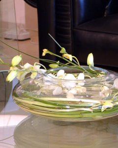 Tárgyaló asztal virág: orchideák