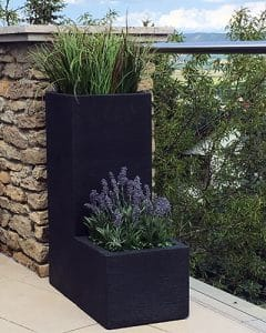 Flat decoration with artificial lavender