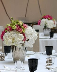Hydrangea table decorations in silver ceramics pots