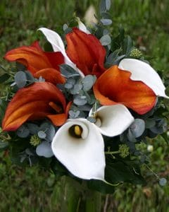 Mother's bouquet of mango and white calla