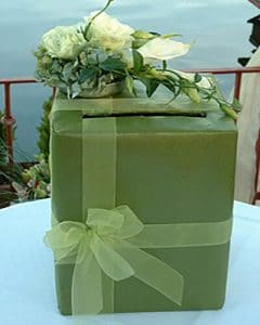 Wedding flower box with flower decoration