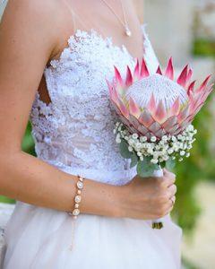 Menyasszonyi csokor próteából és rezgőből