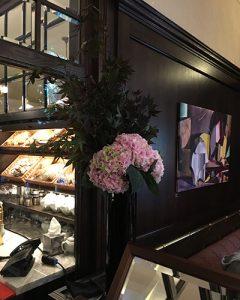 Étteremdekoráció hortenzia csokorral