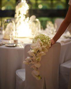 Menyasszonyi csokor orchideából és hortenziából